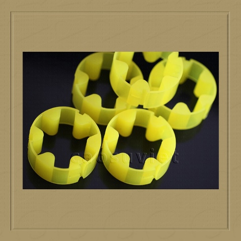 Polyurethane coupling for shock absorption